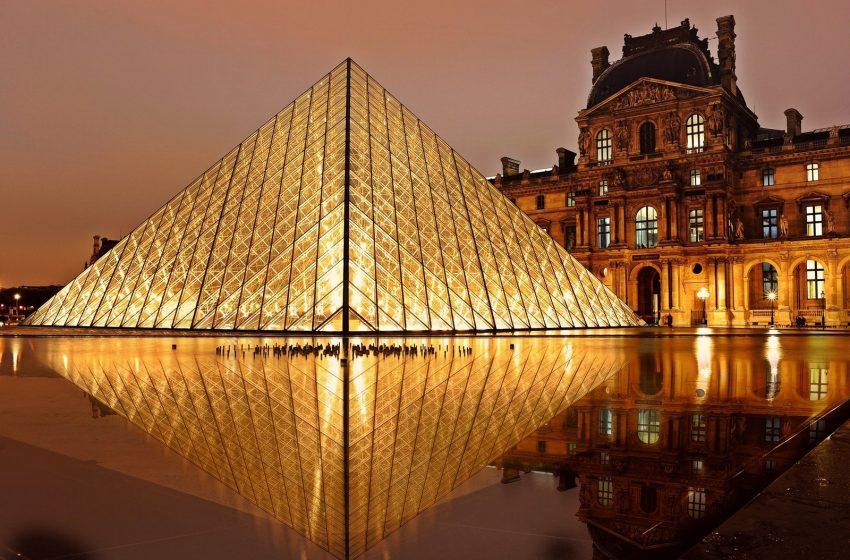 El Louvre reabre